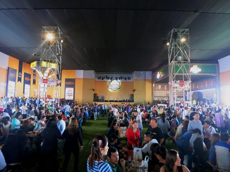 mundo cervecero mistura beer garden 3