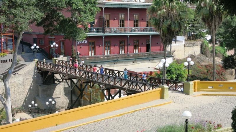 barranco-puente-de-suspiros-lima-2