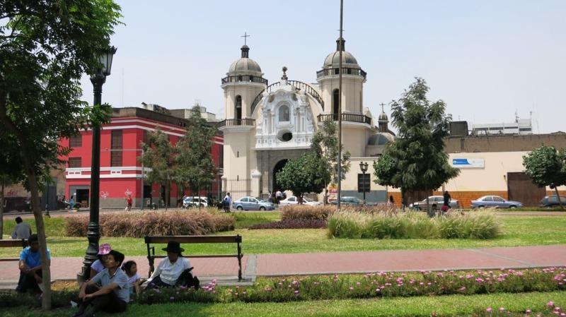 iglesia-huerfanos-parque-cultura-lima