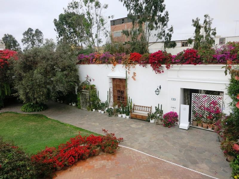 larco-museum-lima-peru-pueblo-libre-garden