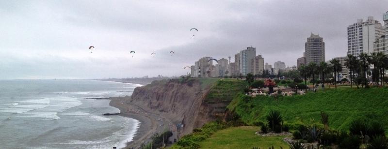 lima-paragliding-green-coast-miraflores