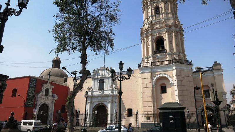 santo-domingo-church-lima-peru
