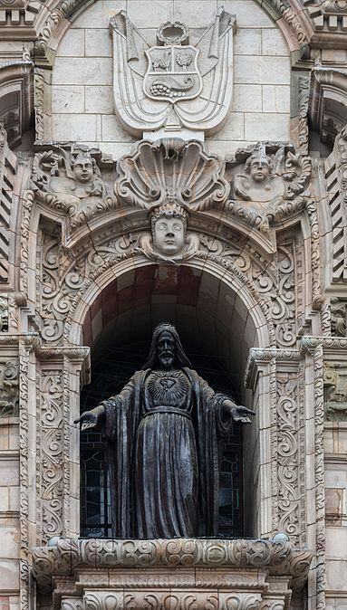 jesus-sculpture-peru-coat-arms-lima-cathedral-facade