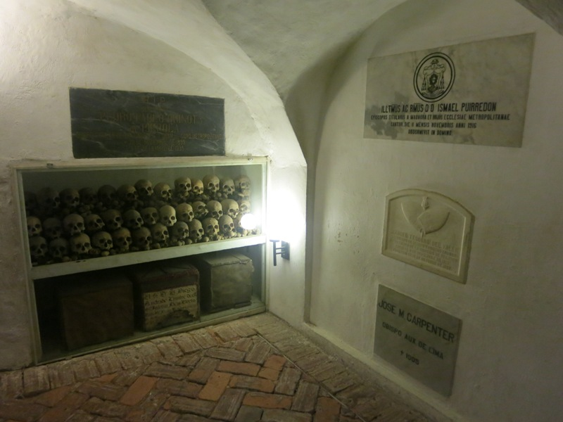 lima-cathedral-basement-crypt-tombs-skulls