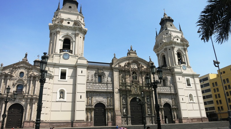 lima-cathedral-plaza-armas-mayor