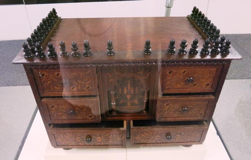 museo-nacion-colonial-furniture-catholic-church