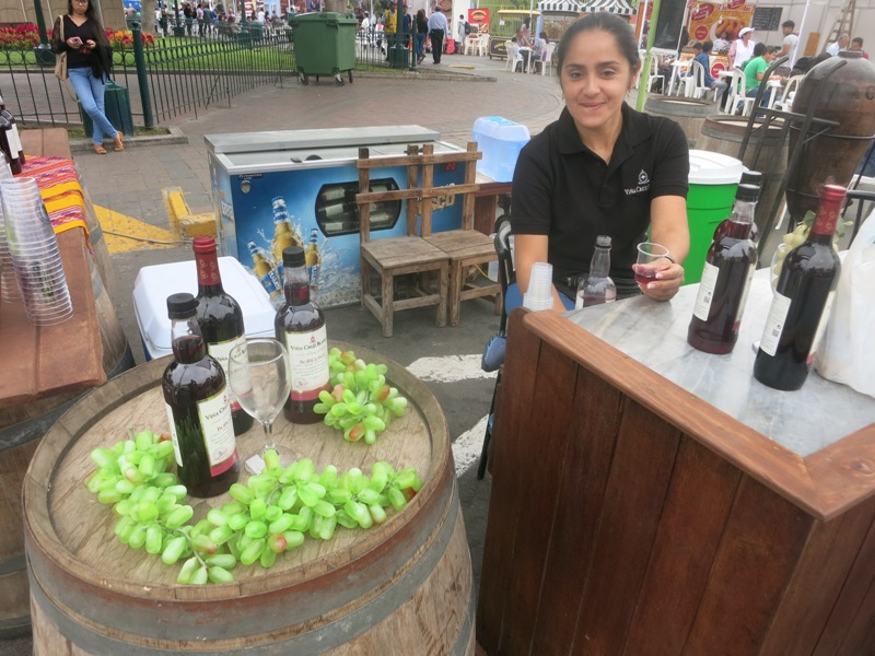 peruvian-wine-cruz-blanca-vendimia-surco-wine-festival-lima-peru